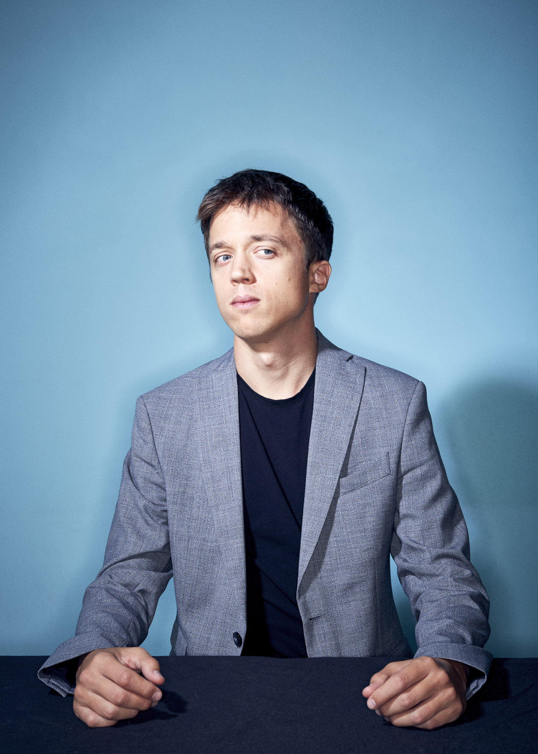 Íñigo Errejón. Portrait by Jacobo Medrano for Man on the Moon magazine.