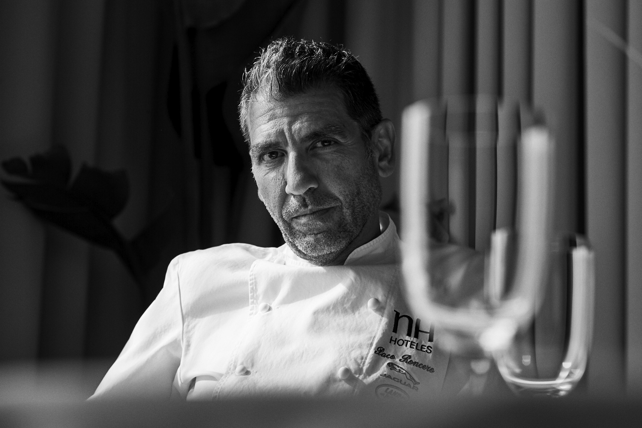 Paco Roncero. Portrait by Jacobo Medrano for Club de Gourmets magazine.